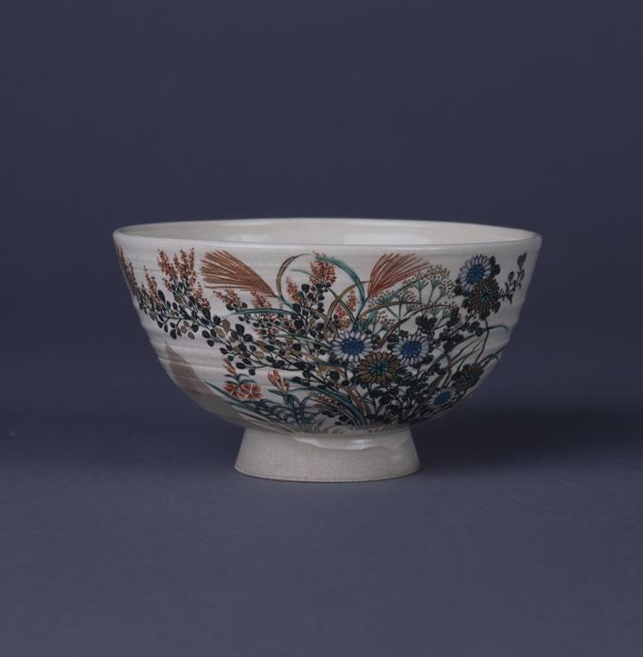 色繪秋草紋茶碗
