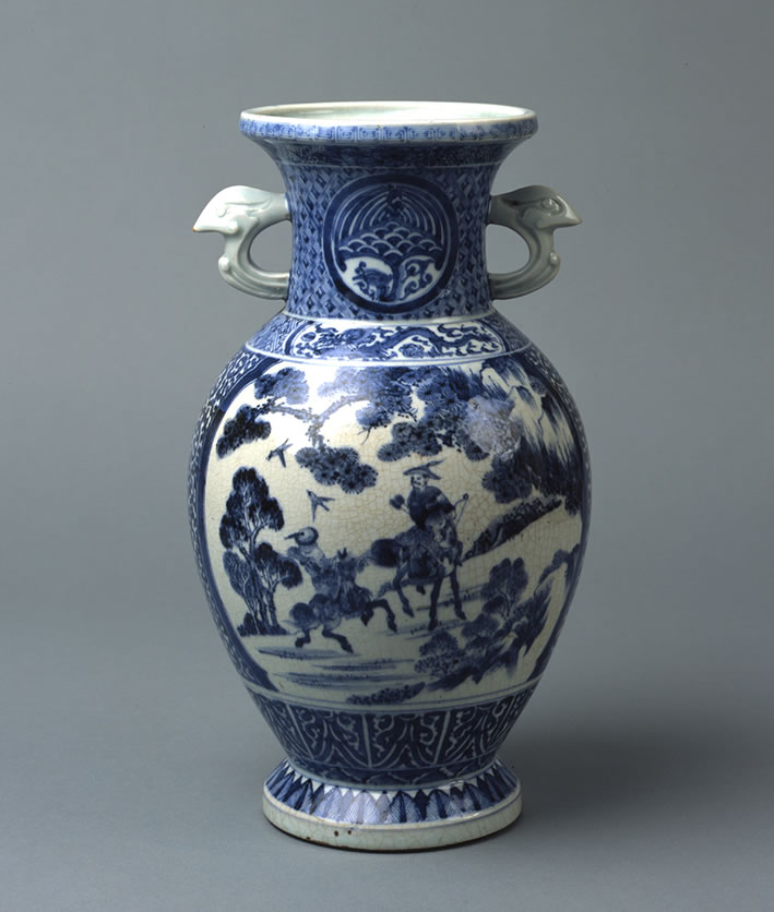 青花瓷騎馬人物鹿圖附耳花瓶